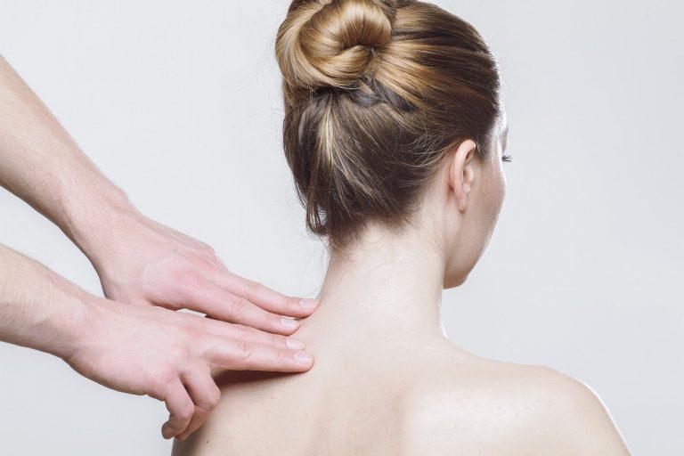 מדריך להקלה על כאבי כתפיים וצוואר בתרגול צ'י קונג